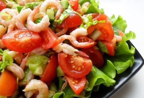 Салат с креветками помидорами и огурцами