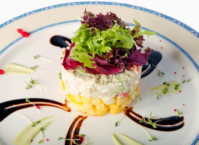 Крабовий салат: рецепт з ананасами