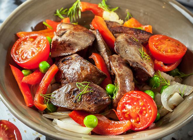 Печінка куряча: рецепт салату з овочами