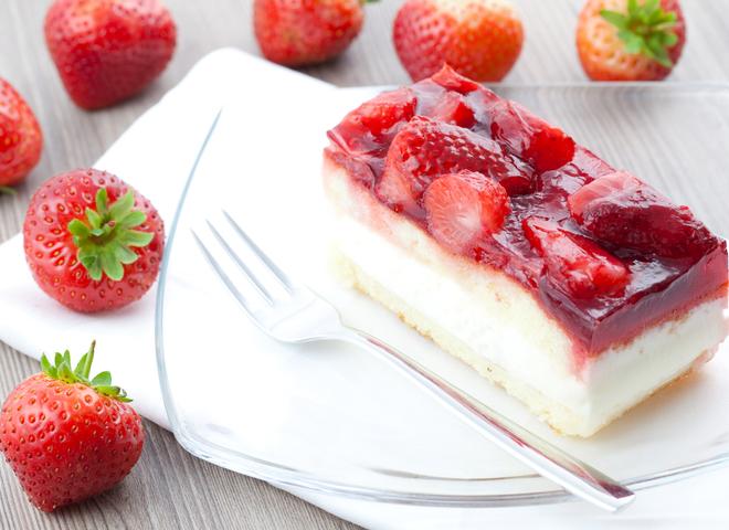 Торт із полуницею: дивовижний весняний десерт