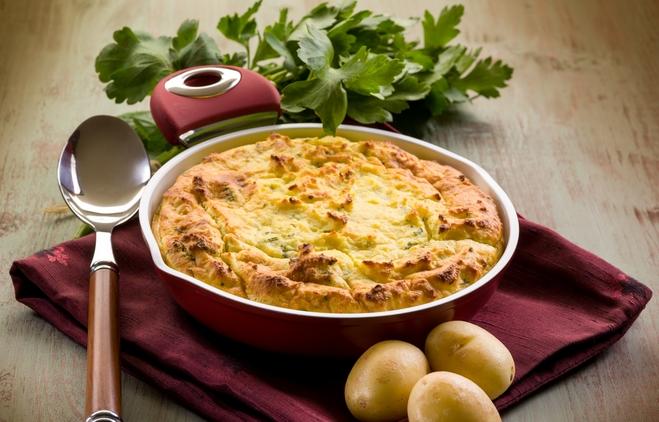 Картопляний пиріг з м'ясною начинкою