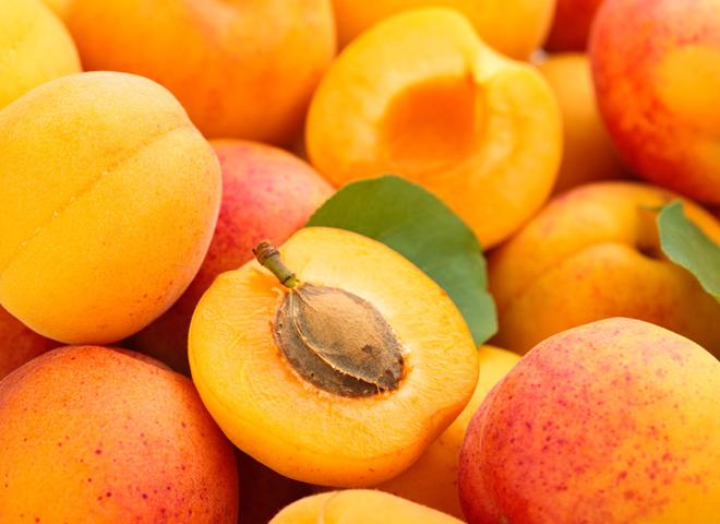 Як заморозити абрикоси, персики, сливи на зиму: докладна інструкція
