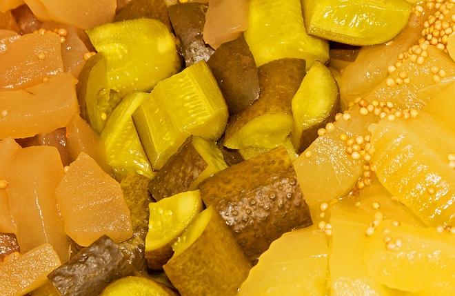 Мариновані огірки з гірчицею: незвичайна варіація звичайної страви