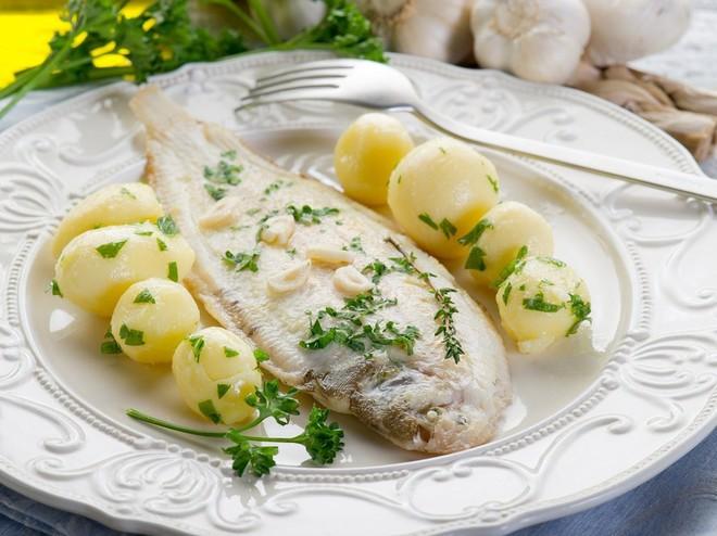 Риба по-французьки в білому вині