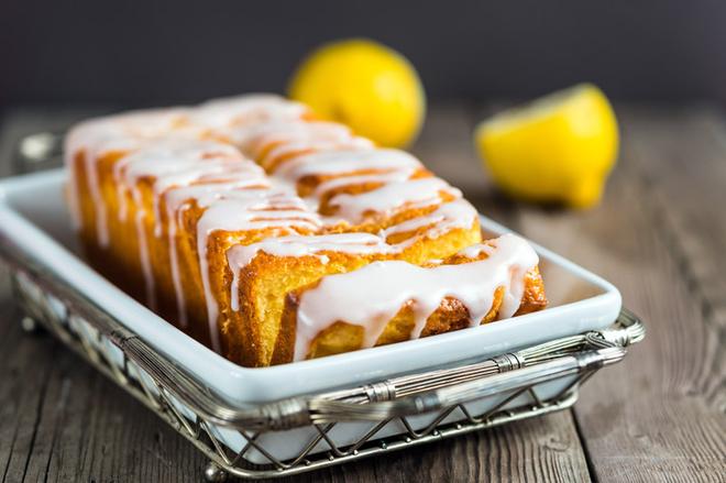 Великодня паска в хлібопічці: рецепт з лимоном і родзинками