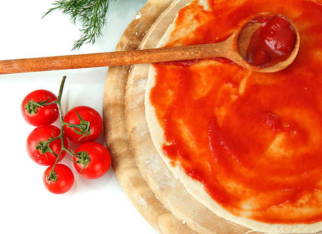Тісто для піци: простий рецепт тонкого дріжджового коржа