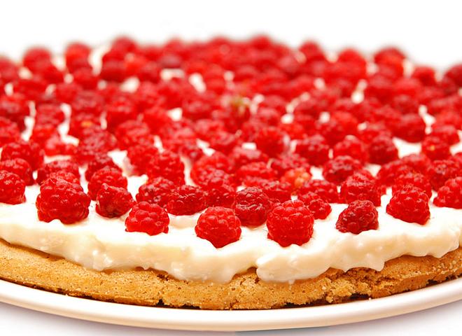Пиріг із малиною та шоколадом: легкий десерт