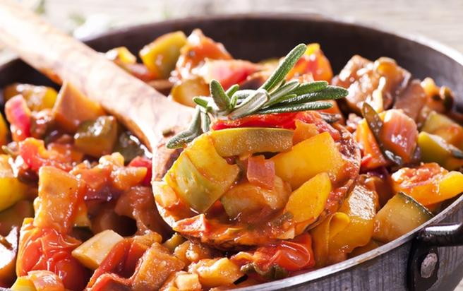 Рагу з кабачків: літнє блюдо