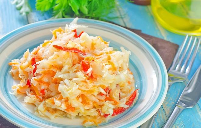 Салат із капусти на зиму: рецепт вітамінної закуски