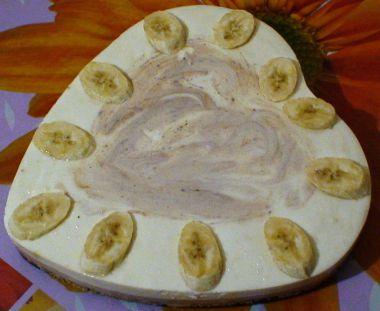 Банановий торт з йогуртом